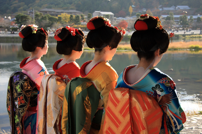 4 geisha