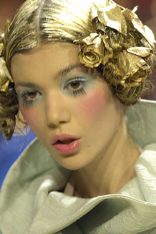 Galliano gold hair