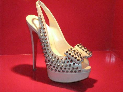 Christian_Louboutin_Spike